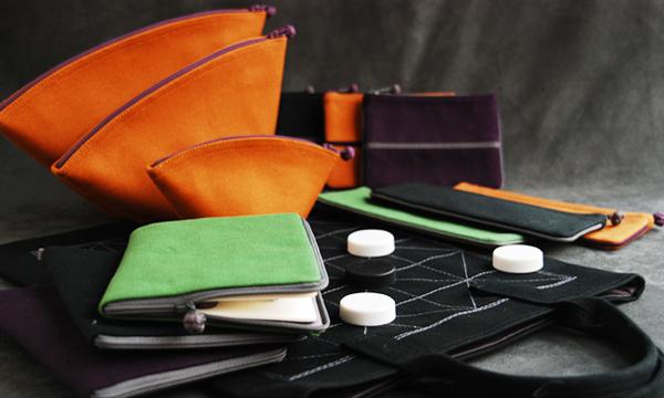 决定采用中国传统艺术,工艺,布料来创造崭新的布织产品,「上海组合」